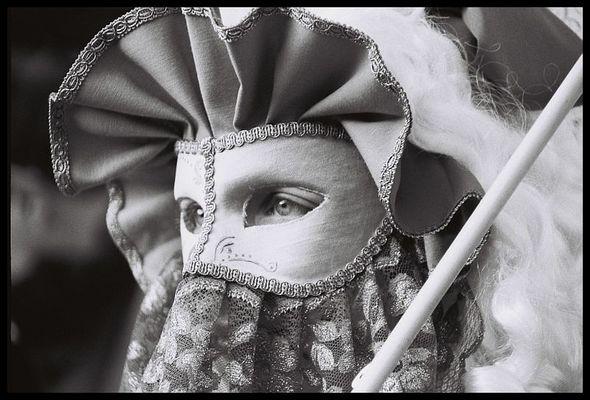 Dame mit Schirm -2