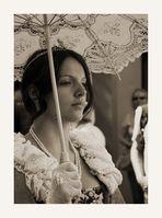 Dame mit Schirm