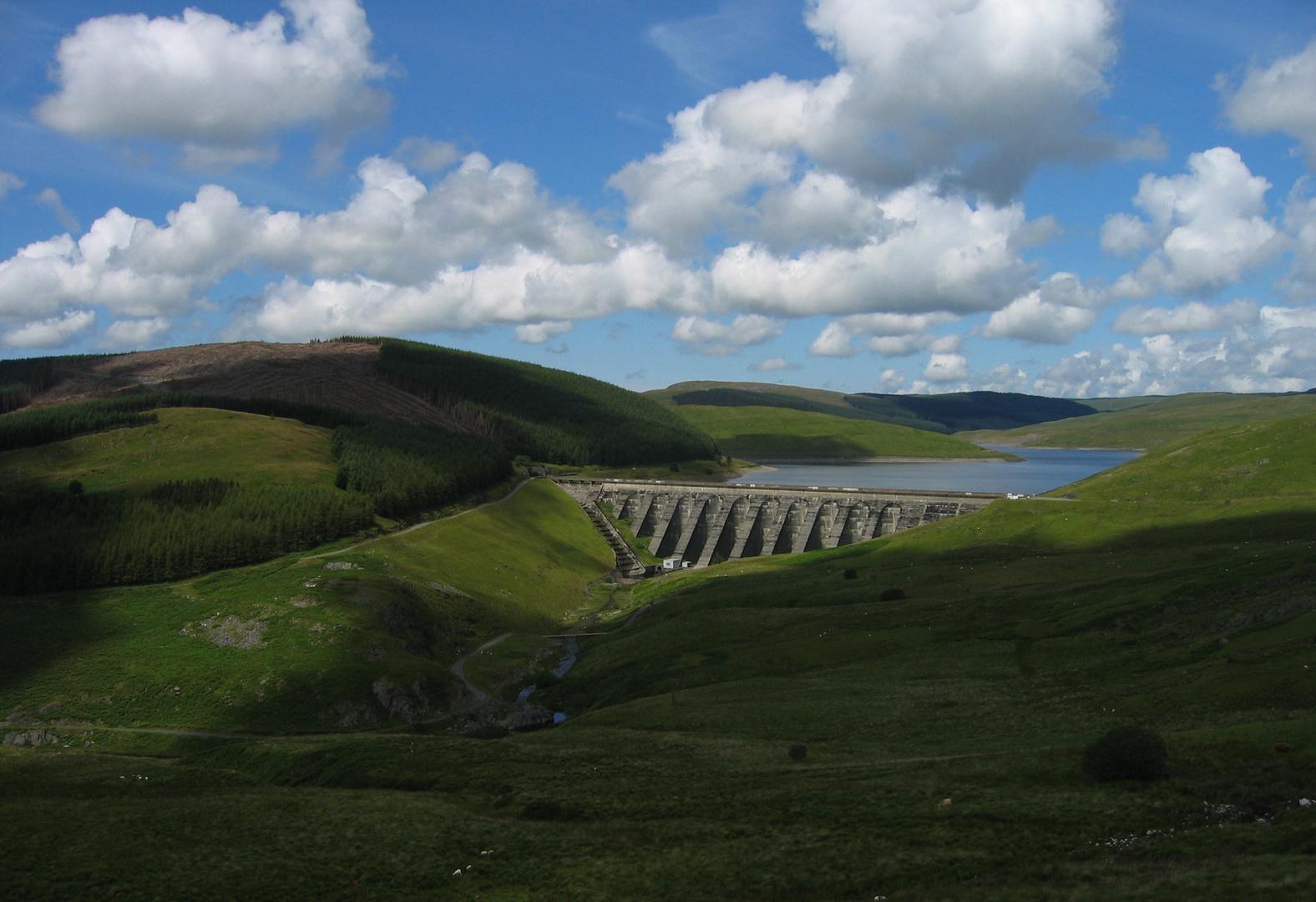Damm in Wales