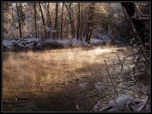 dampfendes Wasser