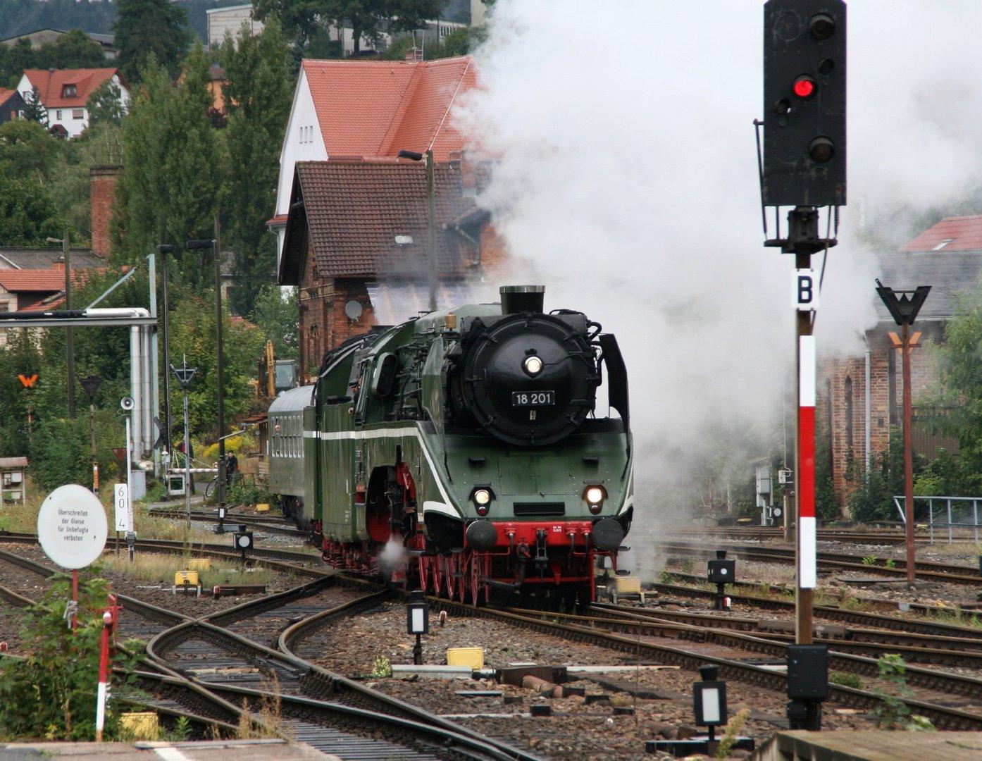 Dampflok 18 201 hat Dampf gemacht