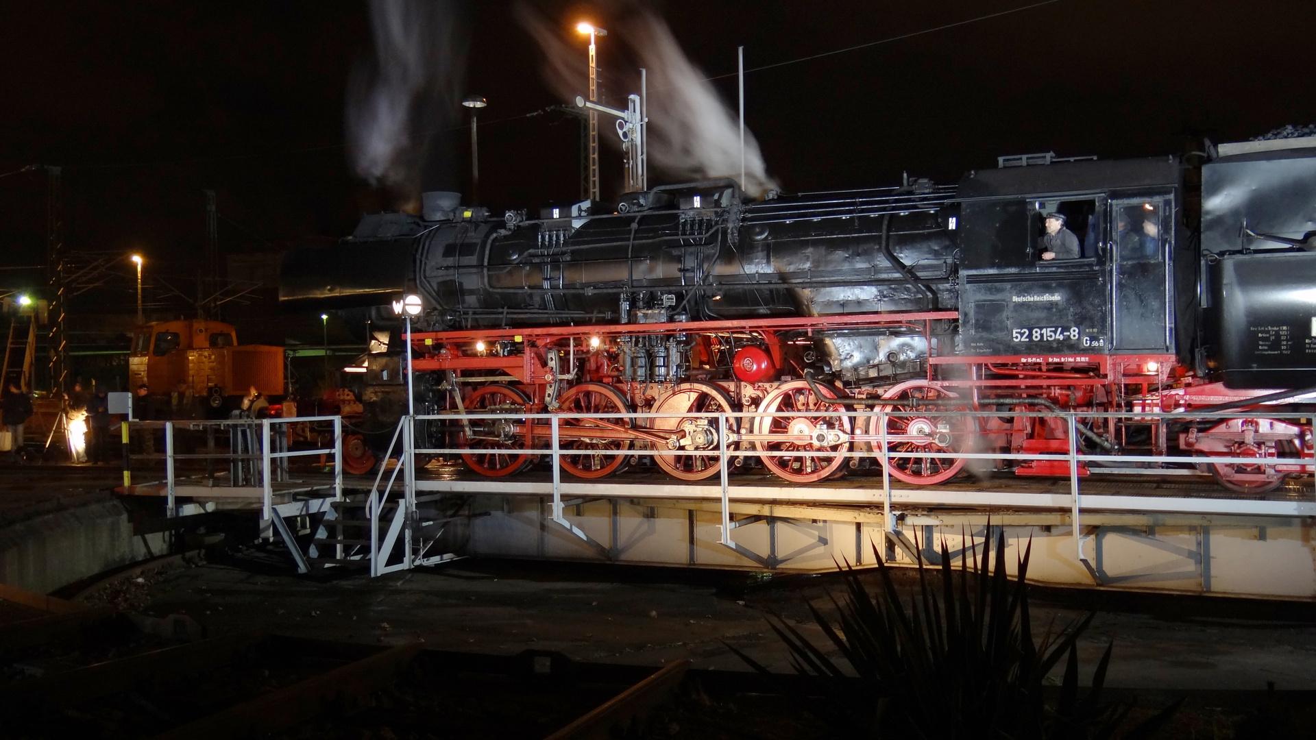 Dampflok der DRB bei Nachtausfahrt