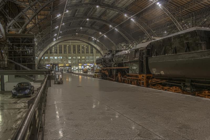 Dampflok im Leipziger Hauptbahnhof (HDR)