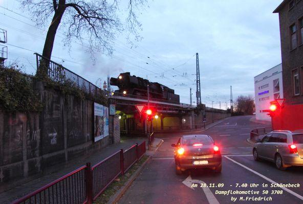 Dampflokomotive 50 3708 in Schönebeck - Ob die Brücke hält?