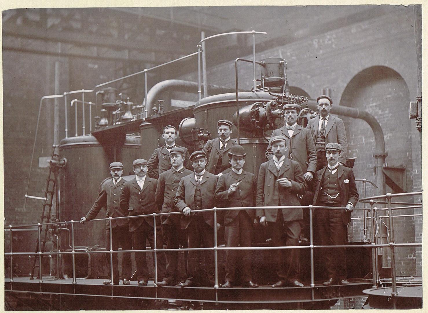 Dampfmaschine der Firma MAN