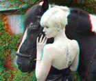 Dana mit Pferd auf dem Reiterhof