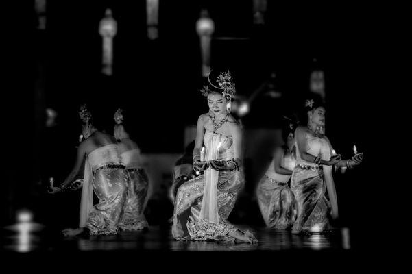dance Thail nb