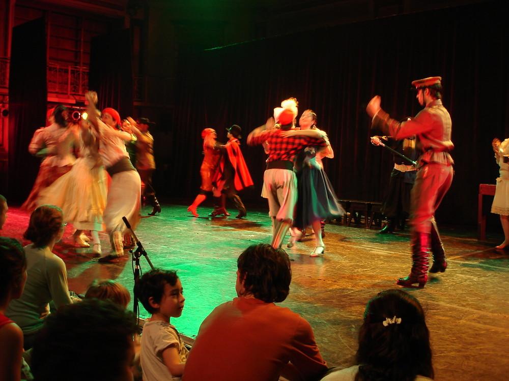 DANCING CHAMAME...... BALLET FOLKLORICO NACIONAL ARGENTINA