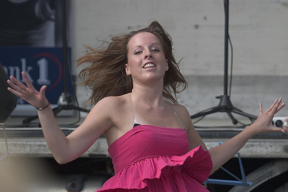Dancing girl 1