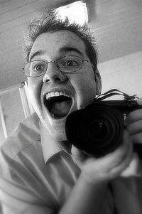 Daniel mit Fotoapparat