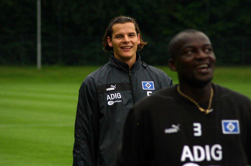 Daniel van Buyten und Timothee Atouba (HSV)