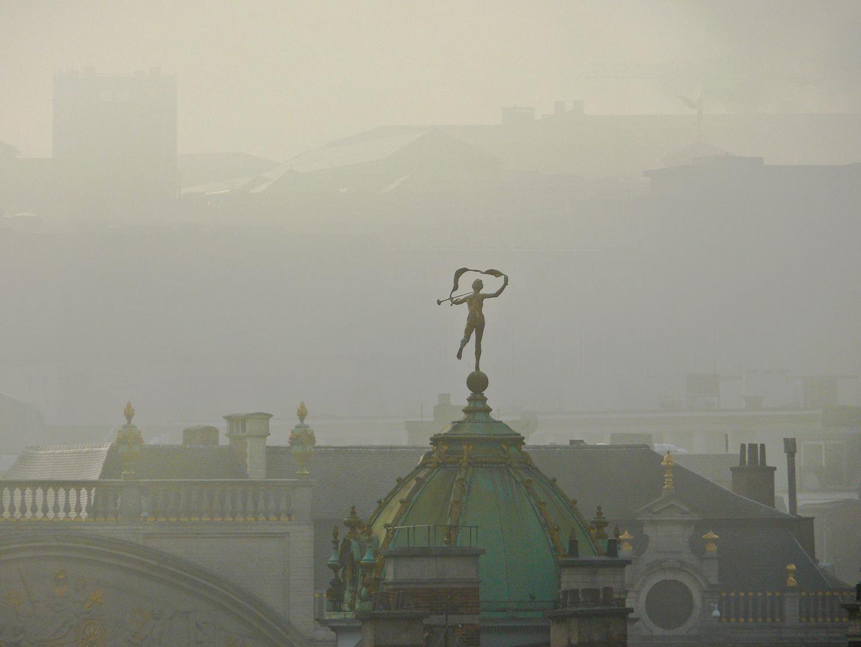 Dans la brume (Bruxelles)
