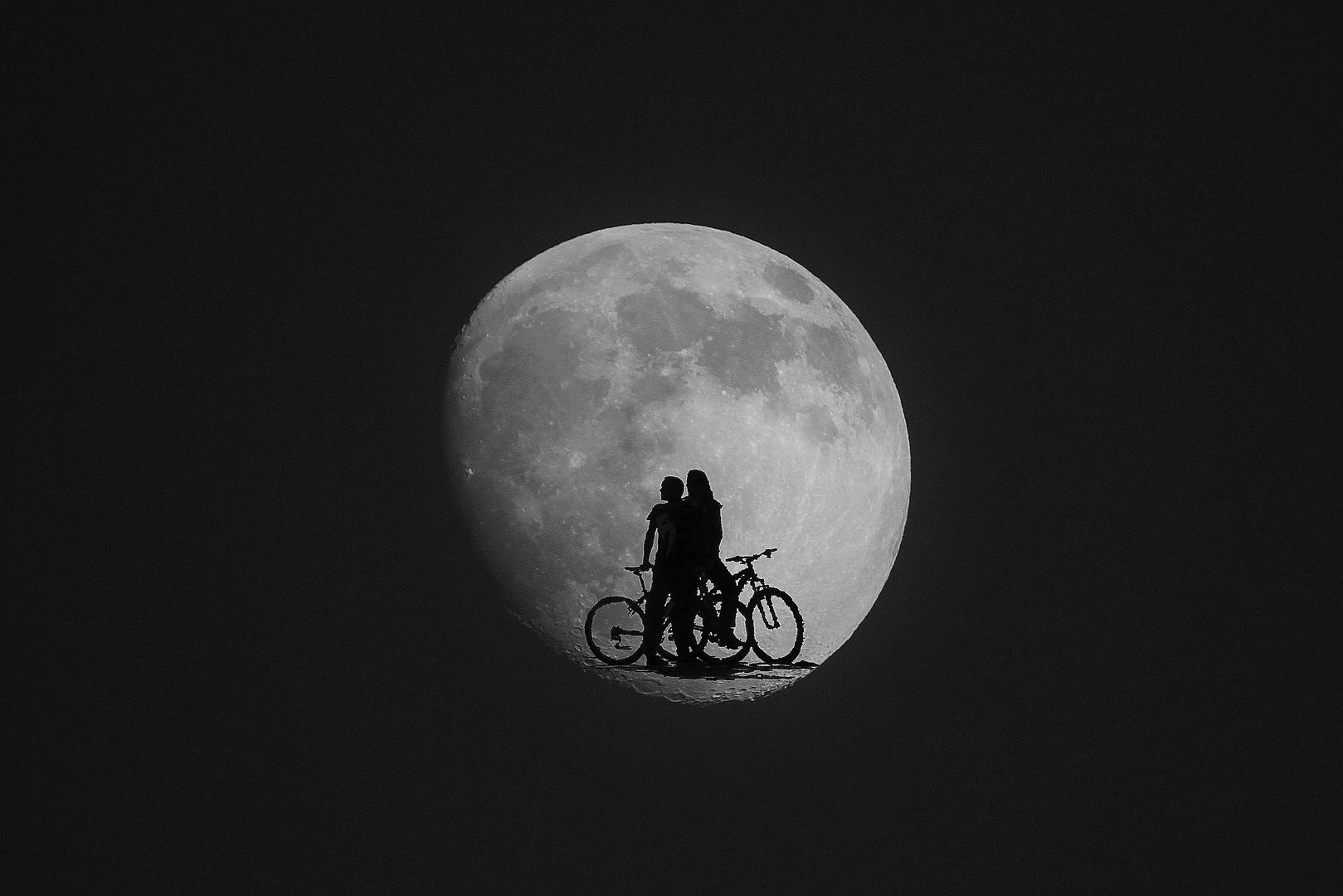 Dans la lune !