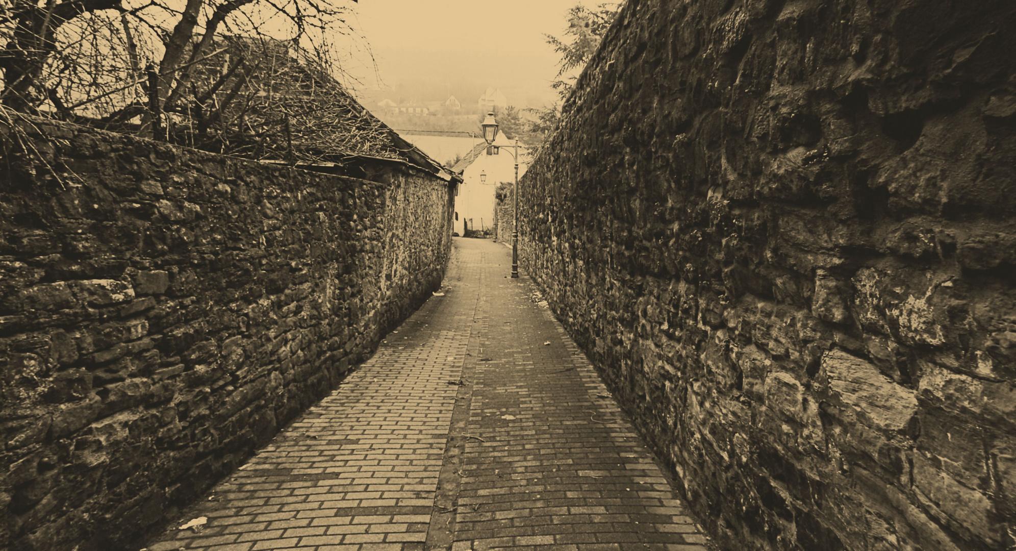 dans la vieille ruelle