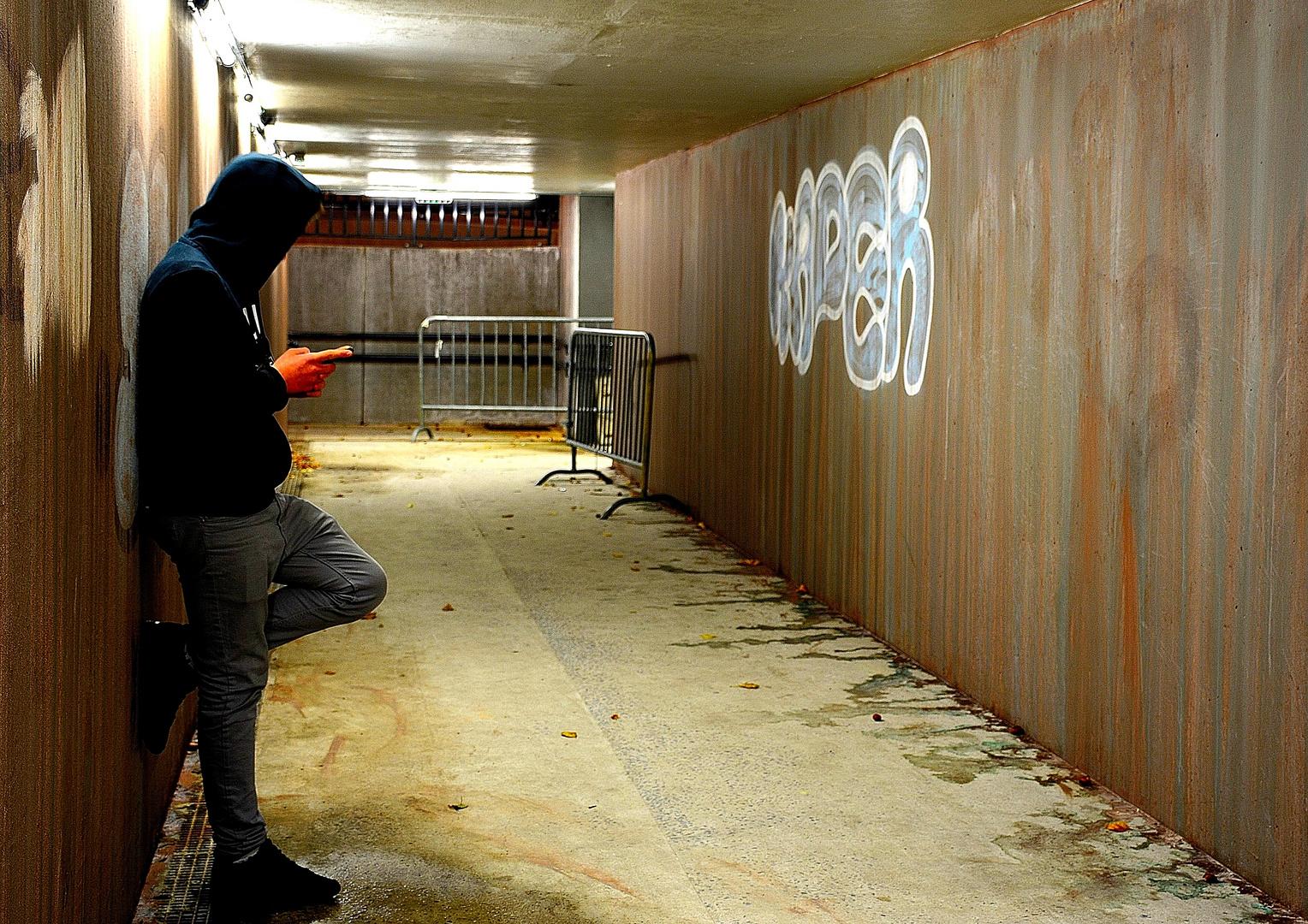 Dans le couloir de la gare