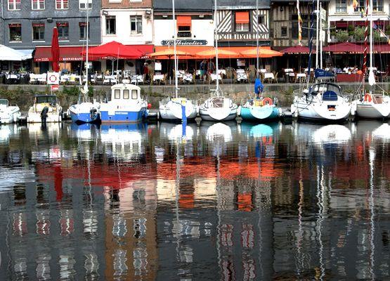 dans le port d Honfleur