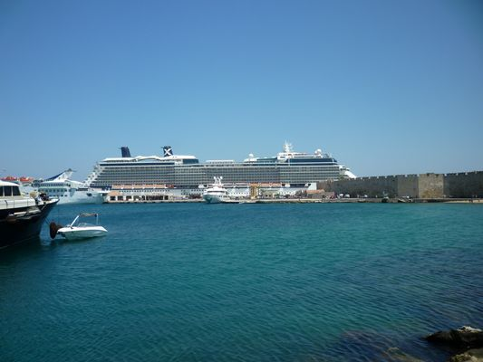 Dans le port de Rhodes