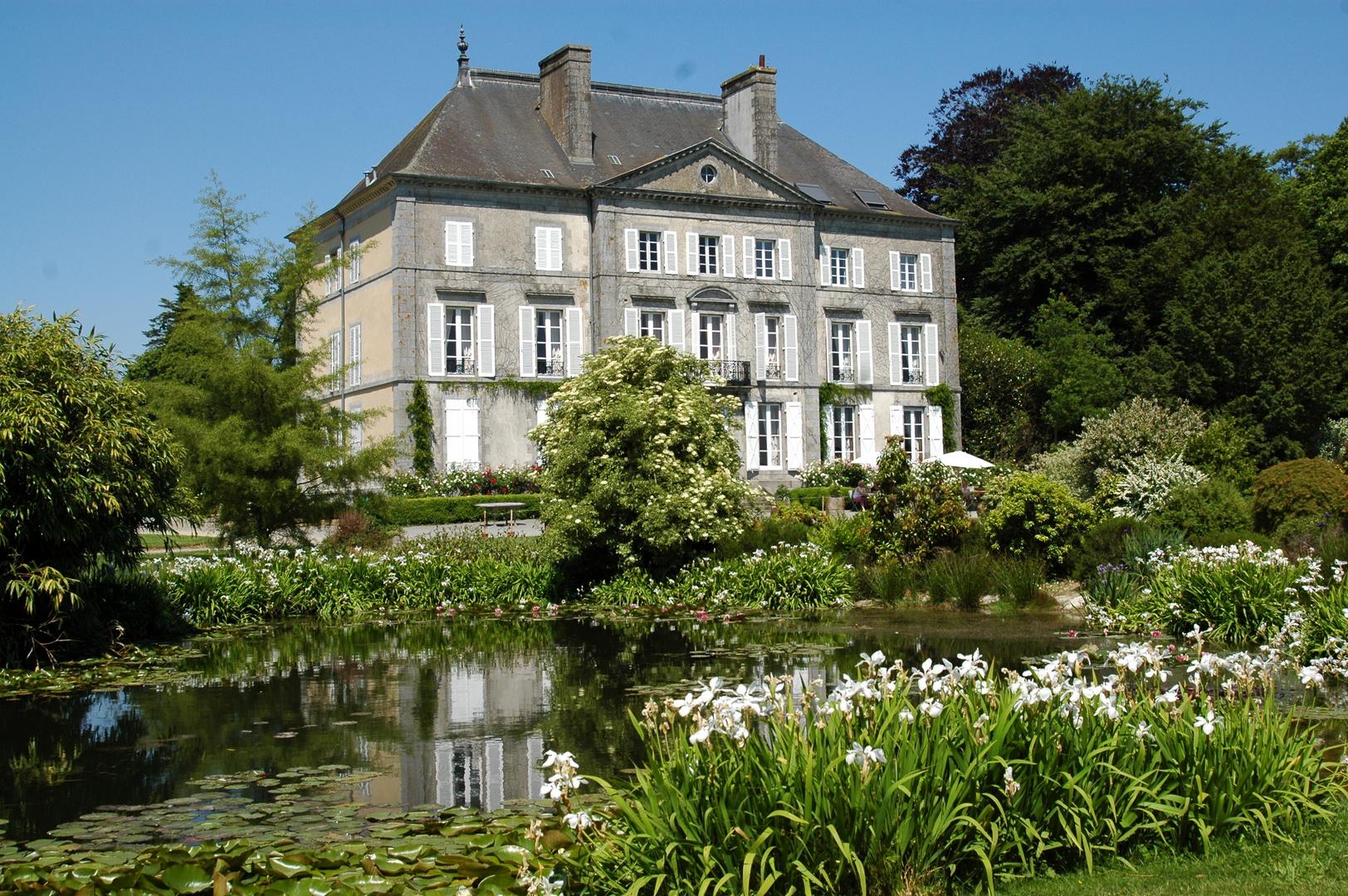 Dans le site des jardins de Bretagne.