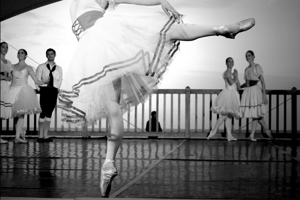 Danse sur le sable. 24 aout 07 Villers sur mer.