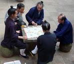 Daoistische Mönche beim Xiangqi-Spielen