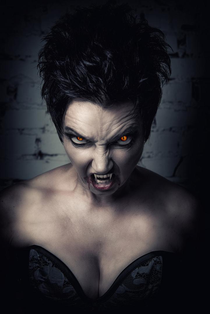 Dark Art Vampir Shooting - Petra