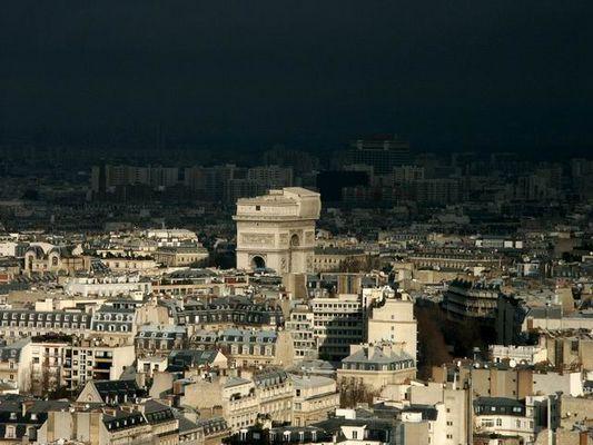 dark side of Paris