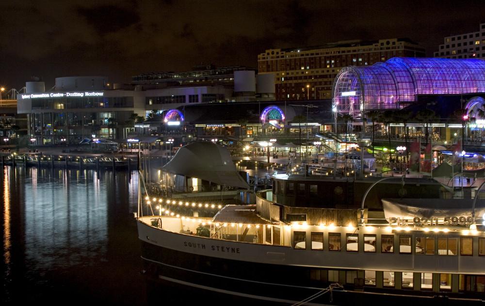 ..Darling Harbour / Sydney...