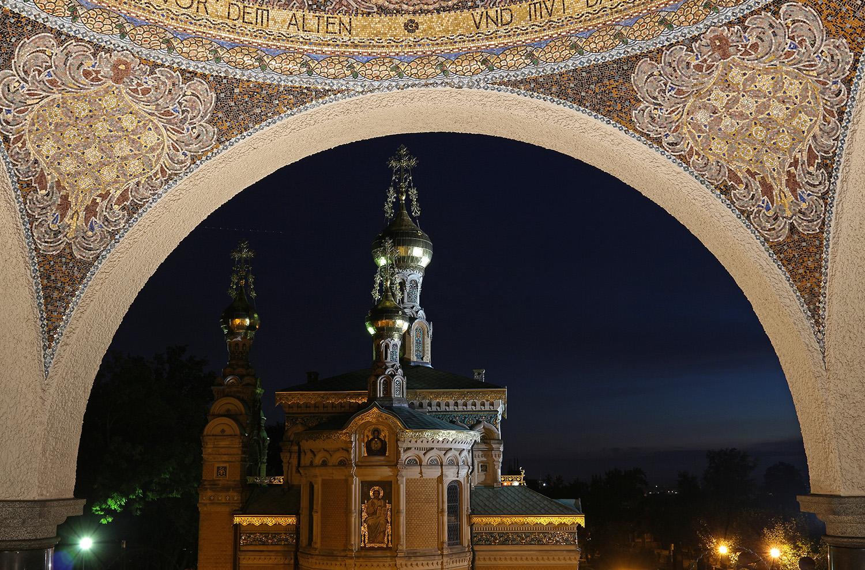 Darmstadt Mathildenhöhe bei Nacht