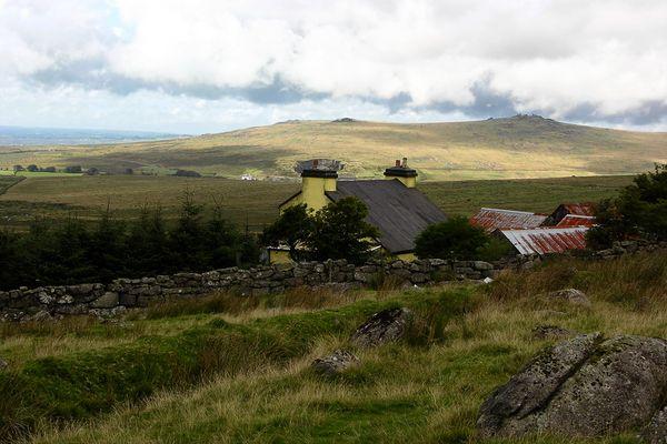Dartmoor - Landschaft mit Haus