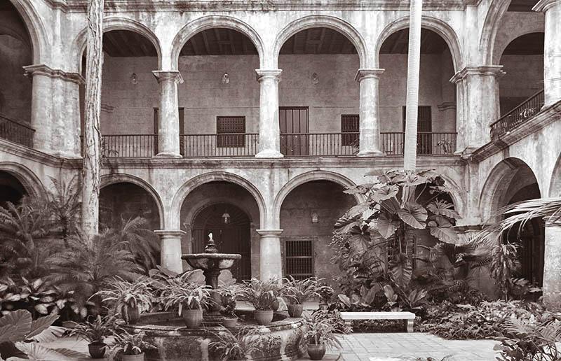 Das alte Kloster in Havanna