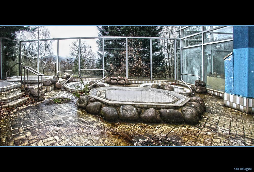 Das alte Schwimmbad III