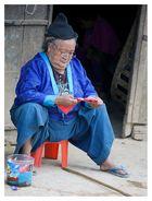 Das Alter wägt, die Jugend wagt.   (Ernst Raupach)