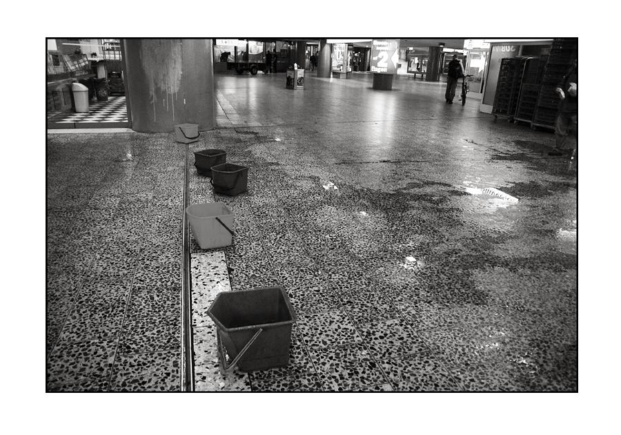 """Das alternative fotografische Solo 2 (""""5 Eimer und eine Pfütze"""" von Bärbel N."""")"""