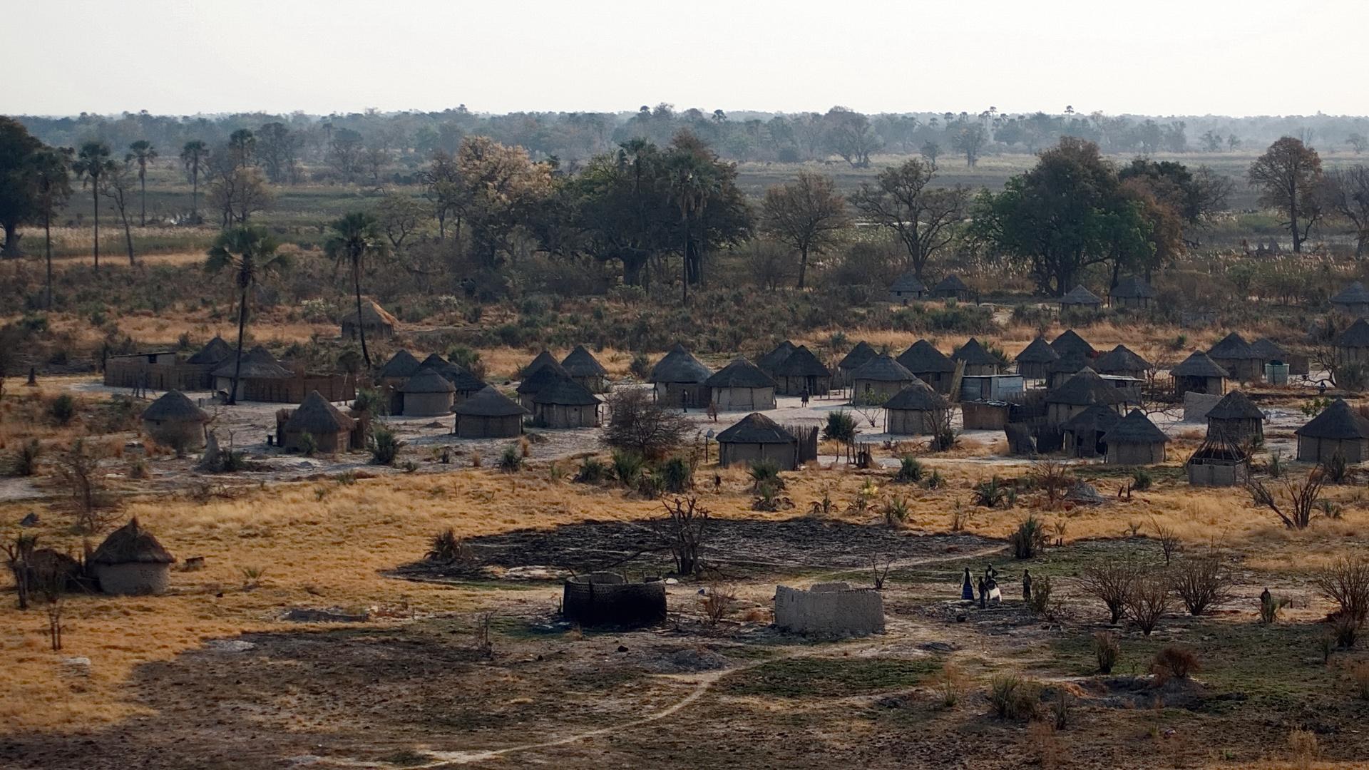 Das Bantu-Dorf erwacht !