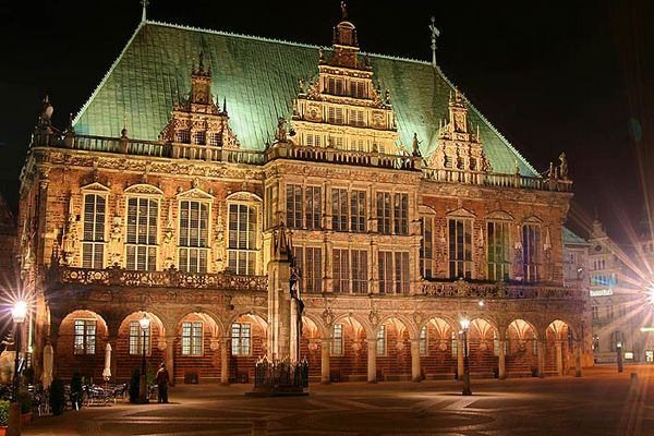 Das Bremer Rathaus bei Nacht