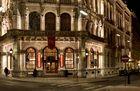 Das Café Central bei Nacht