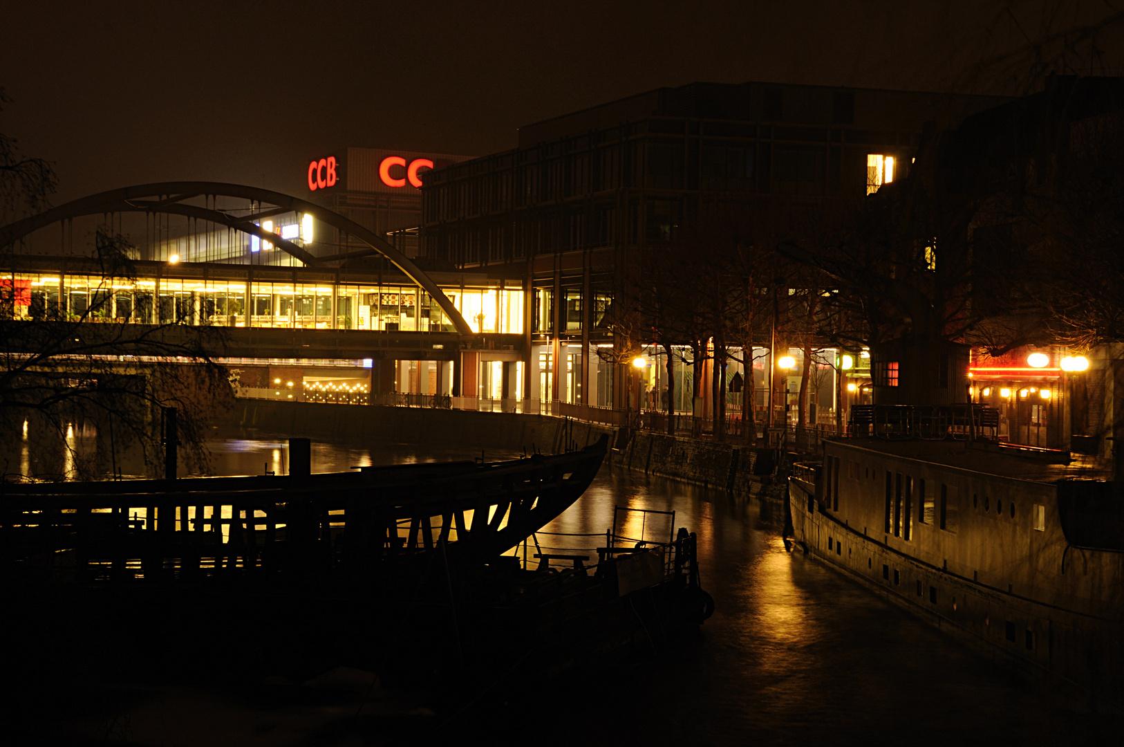 Das CCB bei Nacht