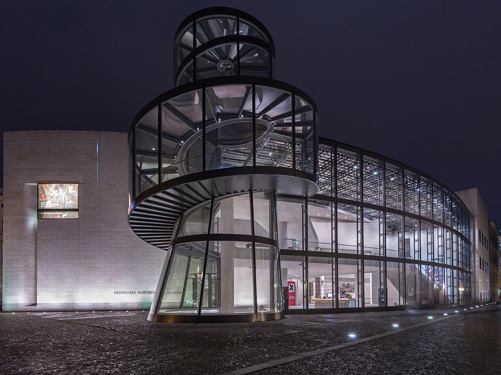 Das deutsche historische Museeum bei Nacht