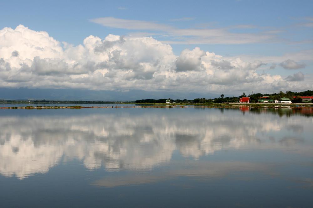 Das Dorf am See