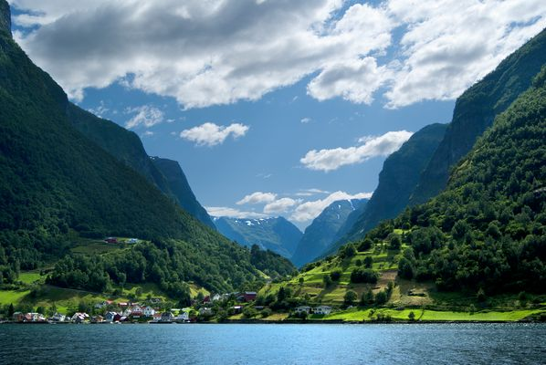 Das Dorf Undredal am Aurlandsfjord