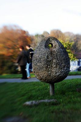 Das Ei im Park