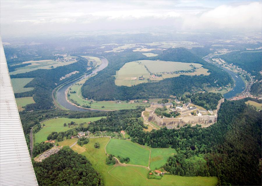 Das Elbe- Knie mit Festung Königstein
