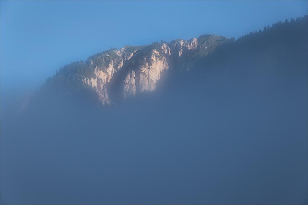 Das erste Licht am Berg
