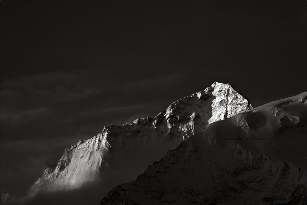 Das erste Licht auf den Gipfeln