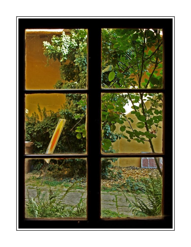 Das fenster zum hof foto bild architektur farbiges for Fenster zum hof