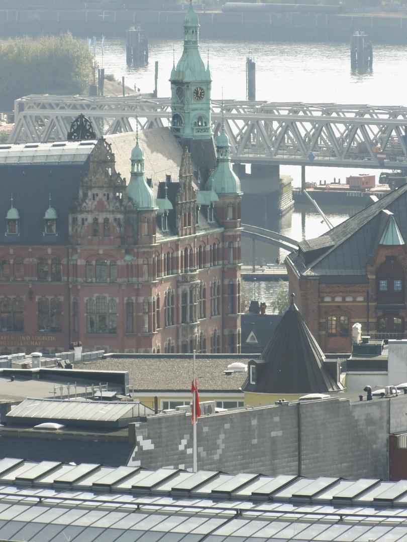 Das Fleetschlösschen vom Rathausturm gesehen