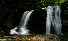 Das Flusstal der Wasserfälle