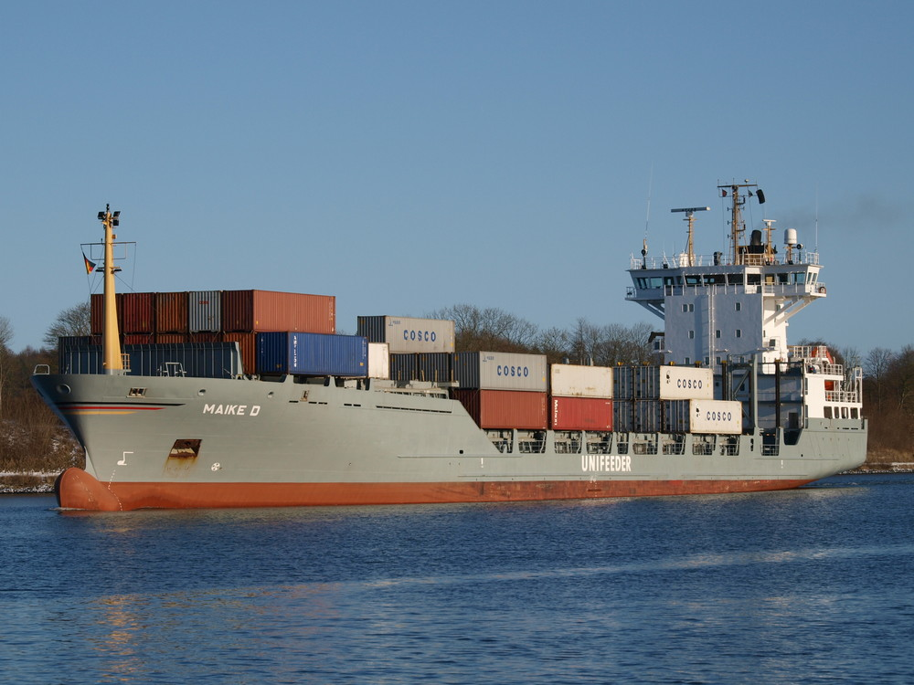 Das Frachtschiff MAIKE D auf dem Nord-Ostsee-Kanal