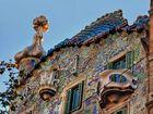 """das Gaudi """"Drachen.schuppen""""dach"""