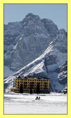 Das ,,gelbe Haus,, in den Bergen